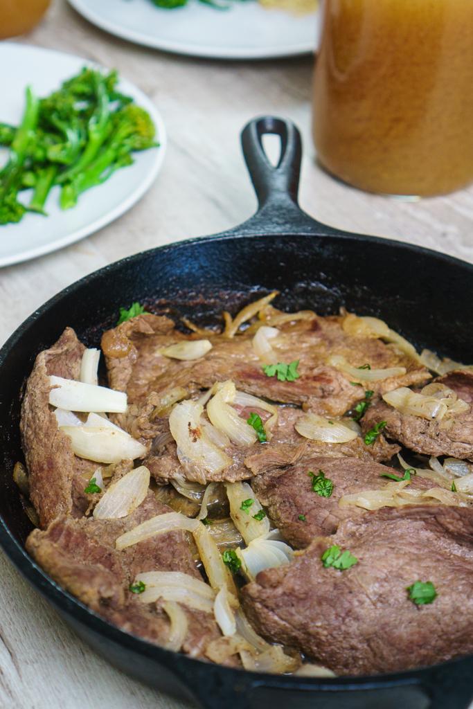 bistec encebollado recipe